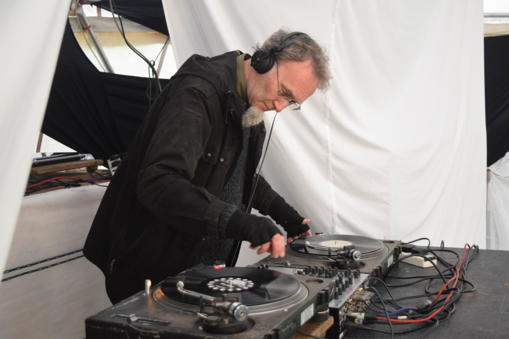 Les Earthdoctor on the wheels of steel